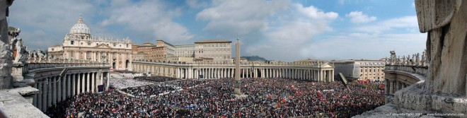 San Peter Square Wide Shot
